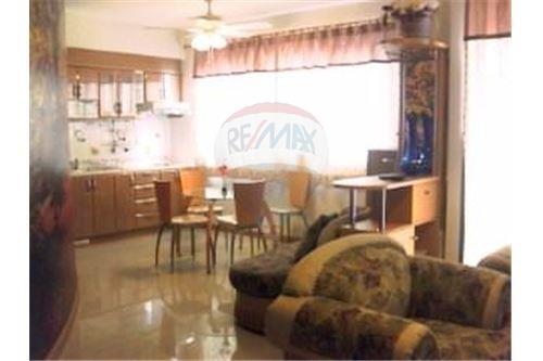 RE/MAX Executive Homes Agency's Spacious 1 Bedroom for Sale Supalai Premier Place 4