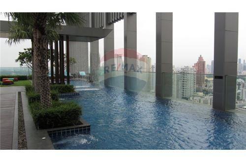 RE/MAX Properties Agency's RENT The Address Sukhumvit 28 2BED 66SQM. 11