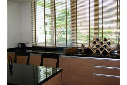 RE/MAX Executive Homes Agency's Apartment for rent  / 3 Bedrooms in Asoke Area 4