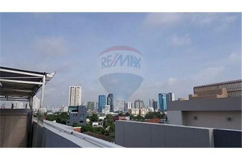 RE/MAX Executive Homes Agency's Nice 4 Bedroom for Sale Parklane Ekamai 22 6