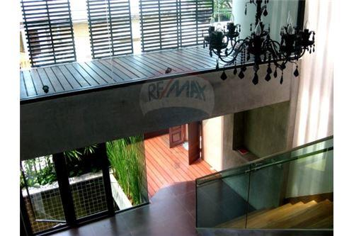 RE/MAX Executive Homes Agency's Modern luxury boutique home in  Thonglor 9