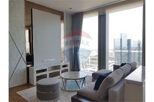 RE/MAX Properties Agency's RENT MahaNakhon Tower 2BED 124SQM. 3