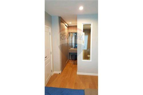 RE/MAX Executive Homes Agency's Cozy 1 Bedroom for Rent Condolette Dwell 5