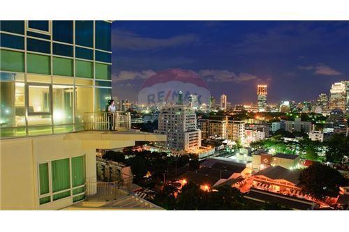 RE/MAX Executive Homes Agency's Nice 2 Bedroom for Sale Baan Rajprasong 10