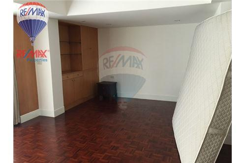 RE/MAX Properties Agency's RENT Phirom Garden Residence 4BED 330SQM. 7