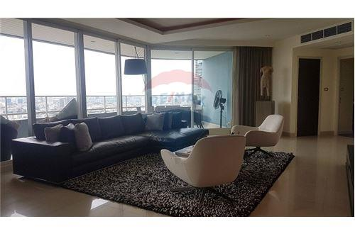 RE/MAX Executive Homes Agency's The Watermark Chao Phraya Condo sale/rent 3