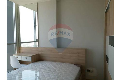 RE/MAX Properties Agency's Noble Revo Silom 1bedroom for rent 7