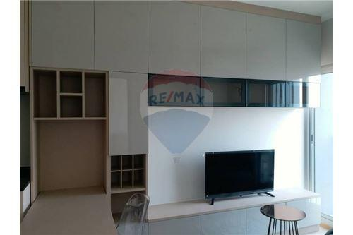 RE/MAX Properties Agency's Noble Revo Silom 1bedroom for rent 4