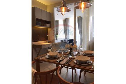 RE/MAX Executive Homes Agency's Stunning 1 Bedroom for Rent Noble Phloenchit 6