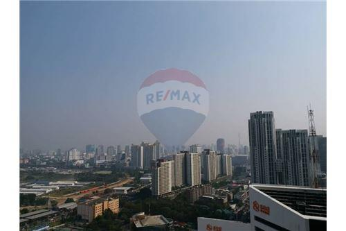 RE/MAX Properties Agency's Noble Revolve Ratchada 1bedroom for rent 12