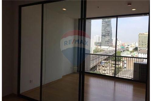 RE/MAX Executive Homes Agency's Nice 1 Bedroom for Sale Noble Revo Silom 2