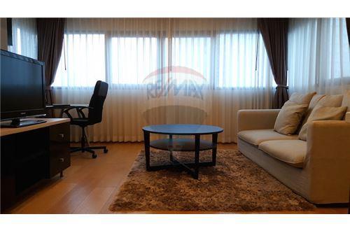 RE/MAX Properties Agency's RENT Sathorn Gardens spacious 1 Bedroom 1