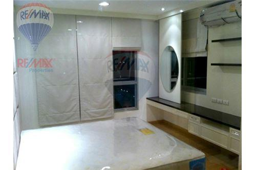 RE/MAX Properties Agency's RENT Life @ Sathorn 10 1BED 42SQM. 1
