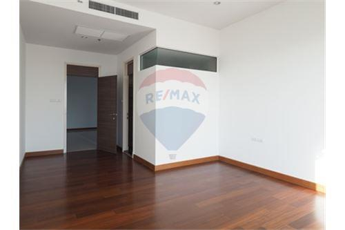 RE/MAX Properties Agency's RENT Supalai Prima Riva 4BED 355.55SQM. 15
