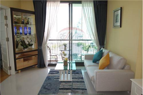 RE/MAX Properties Agency's FOR RENT AGUSTON SUKHUMVIT 22 1 BED 55 SQM 2