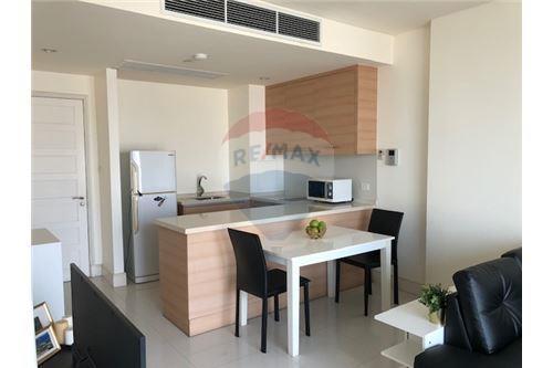 RE/MAX Properties Agency's SALE Aguston Sukhumvit 22 1BED 56SQM. 4