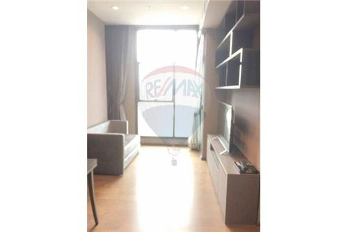 RE/MAX Executive Homes Agency's Nice 1 Bedroom for Rent Diplomat Sathorn 1