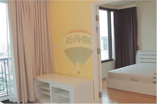 RE/MAX Properties Agency's For RENT 1 BEDROOM 55 SQM at Aguston Sukhumvit 22 7