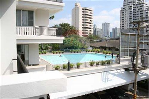 RE/MAX Executive Homes Agency's Apartment 3 Bedrooms For Rent in Thonglor 8