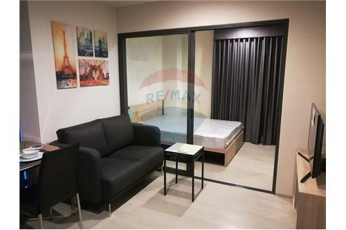 RE/MAX Executive Homes Agency's Rhythm Asoke 2 beautiful rooms for rent 6