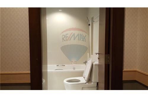 RE/MAX Properties Agency's RENT Sathorn Gardens spacious 1 Bedroom 10