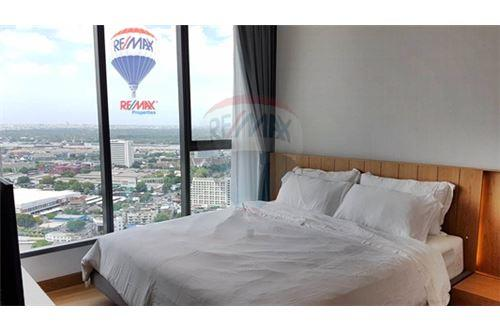 RE/MAX Properties Agency's FOR RENT  THE LUMPINI 24  2BED   65SQM 5