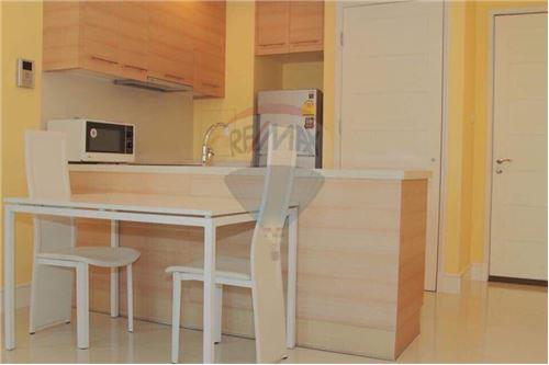 RE/MAX Properties Agency's For RENT 1 BEDROOM 55 SQM at Aguston Sukhumvit 22 4