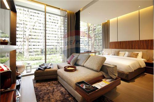 RE/MAX Executive Homes Agency's Brand New 1 Bedroom for Sale Ashton Silom 1