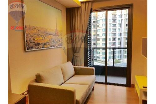 RE/MAX Properties Agency's Condo for  Rent The Lumpini 24 2
