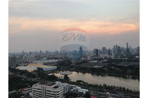 RE/MAX Properties Agency's FOR SALE MILLENNIUM RESIDENCE  3BED 193SQM 2