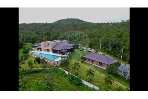 Cha-Am, Phetchaburi/Cha-am - For Sale - ฿ 110,000,000