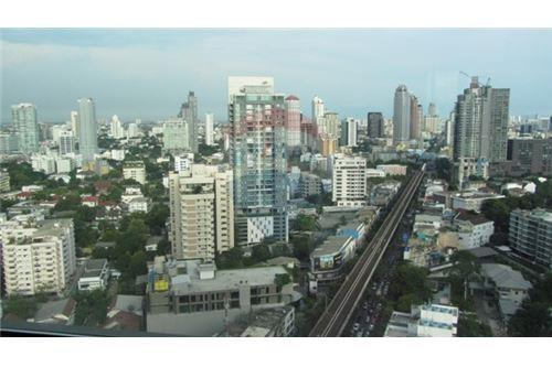 RE/MAX Properties Agency's RENT The Address Sukhumvit 28 2BED 66SQM. 16