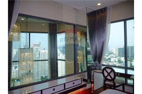 RE/MAX Properties Agency's Sale Bright Sukhumvit 24 3BED 179SQM. 3