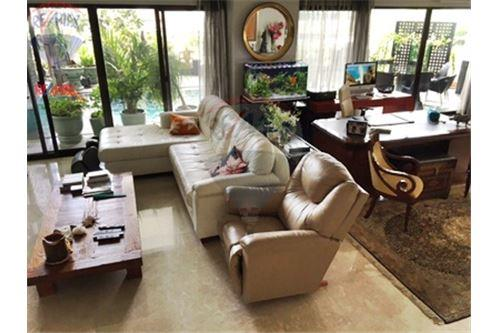 RE/MAX Properties Agency's FOR SALE  LE  RAFFINE SUKHUMVIT 24   3BED 370SQM 22