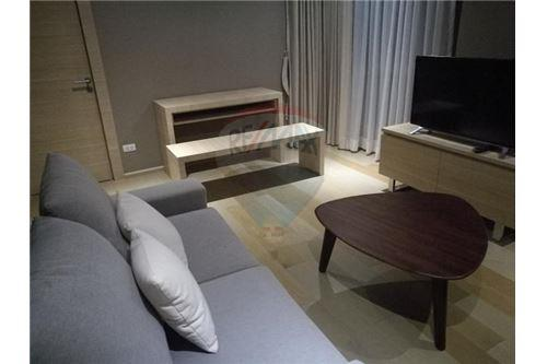RE/MAX Executive Homes Agency's Nice 2 Bedroom for Rent Klass Silom 1