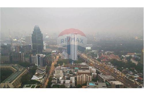 RE/MAX Properties Agency's 1 bed high floor for rent 50,000 Baht!!! 13