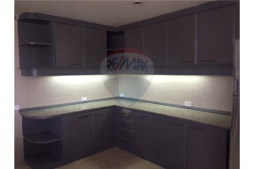 RE/MAX Properties Agency's FOR RENT  ORIENTAL TOWER   4BED 460SQM 8