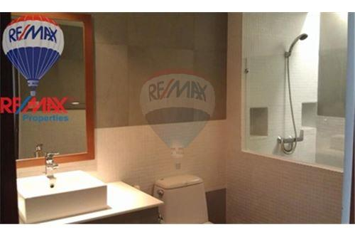 RE/MAX Properties Agency's FOR RENT The Roof Garden On Nut 2BED 140SQM. 10