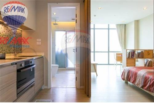 RE/MAX Properties Agency's FOR RENT The Room Sukhumvit 21 1BED 38SQM. 2