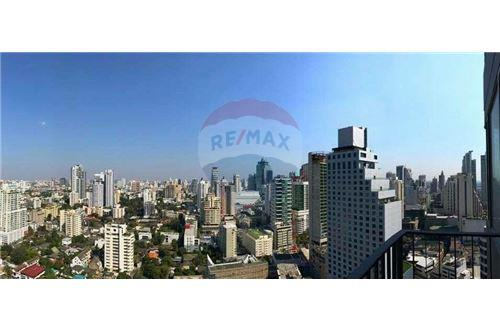 RE/MAX Properties Agency's Edge Sukhumvit 23, 1 large bedroom 5