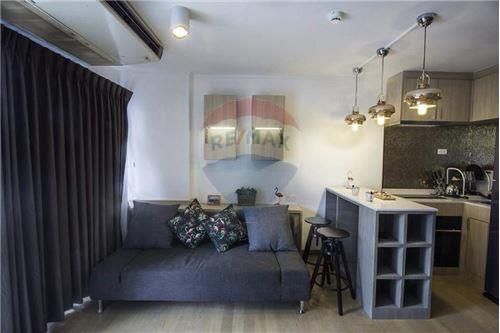 RE/MAX Executive Homes Agency's Nice 1 Bedroom Duplex for Rent Bangkok Feliz 7