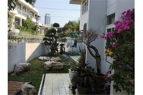 RE/MAX Executive Homes Agency's 2 storey house  for Sale at Soi Yenarkard 4