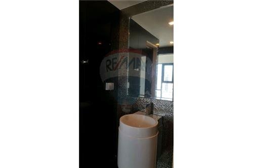 RE/MAX Executive Homes Agency's Spacious 1 Bedroom for Sale Rhythm 36-38 3