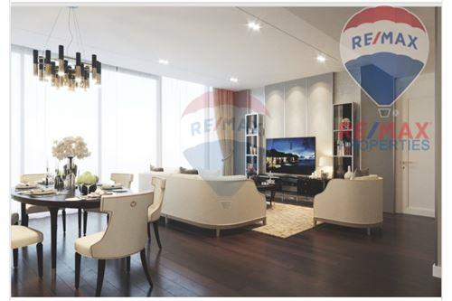 RE/MAX Properties Agency's Marque - Luxurious condo for rent 1