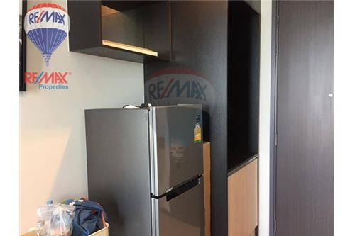 RE/MAX Properties Agency's RENT Edge Sukhumvit 23 1BED 32SQM. 5