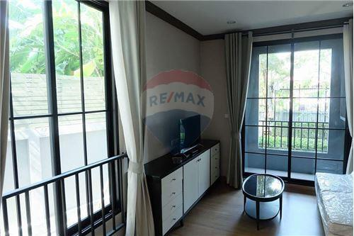 RE/MAX Executive Homes Agency's Nice 1 Bedroom for Sale The Reserve Kasemsan 3 2