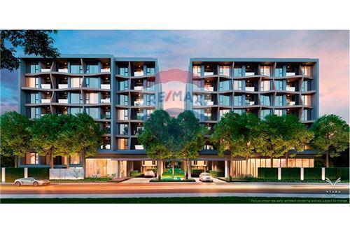 RE/MAX Executive Homes Agency's FQ - Vtara 2 Bed 2 Bath - Top Floor 1