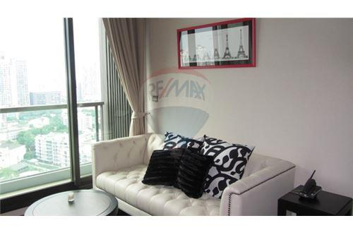 RE/MAX Properties Agency's The Address Sukhumvit 28, Condo for sale and rent 1