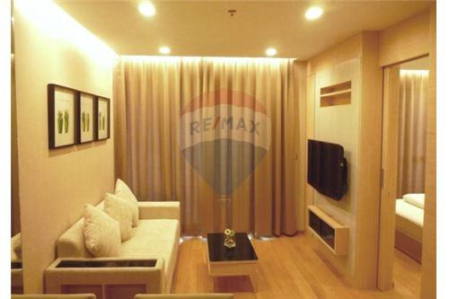 RE/MAX Executive Homes Agency's Spacious 1 Bedroom for Rent The Address Asoke 1