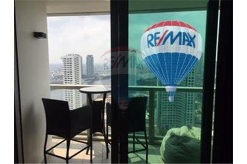 RE/MAX Properties Agency's FOR SALE  THE RIVER    2 BED 78SQM 18